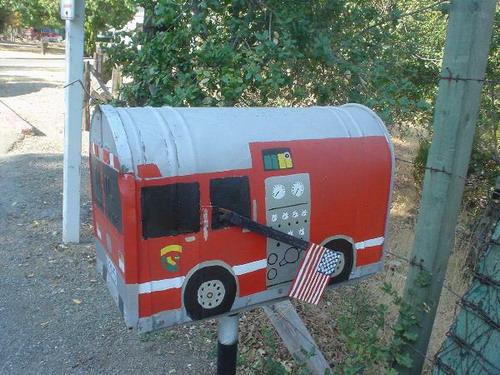Funny Mailbox 05
