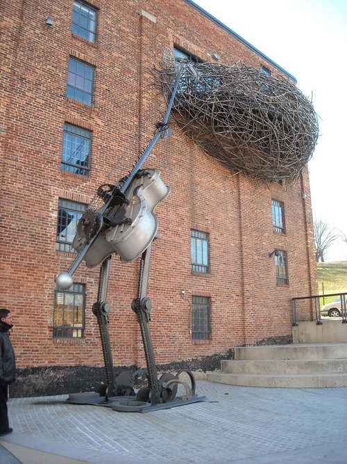 Big Steel Box >> Weird Pictures With Birds Nests | Weirdomatic