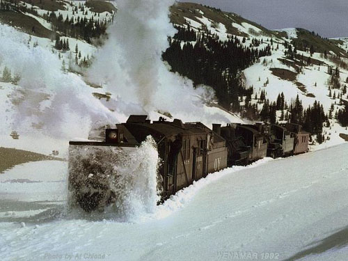 Snow Giant Train